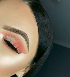soft glam soft pink eyeshadow silber glitter half cut crease - Makeup Looks Going Out Cut Crease Glitter, Gold Cut Crease, Eye Makeup Cut Crease, Glitter Liner, Gel Liner, Glitter Face, Makeup Eye Looks, Eye Makeup Tips, Makeup Ideas