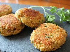 Couscous patties with cheese - kindergarten - Sandwich Raw Food Recipes, Vegetarian Recipes, Dinner Recipes, Empanadas, Dinner Sandwiches, Salad Ingredients, Sandwich Recipes, Vegetable Dishes, Vegetable Stock