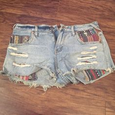FREE PEOPLE jean shorts, size 28 FREE PEOPLE jean shorts, size 28. These are so cute, but they were a little too short for my booty so I only wore them a handful of times. Love all the detail and how unique they are (but I'm also biased to Free People clothing). Perfect for the upcoming summer months! 😍 coming from a smoke-free home with a meticulous owner. Priced to sell! Free People Shorts Jean Shorts