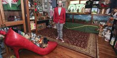 'Wizard Of Oz' Superfan Shows Of His Immense £120,000 Collection of Memorabilia (PICS)
