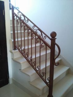 Wrought Iron balustrade in rust www.realsec.co.za Wrought Iron Porch Railings, Metal Stair Railing, Grill Gate Design, Welding Cart, Interior Staircase, Stair Case, Iron Gates, Door Design, Rust