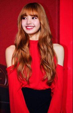 Your smile is so beautiful Lisa Blackpink Lisa, Kim Jennie, Forever Young, Girls Generation, Lisa Blackpink Wallpaper, Black Pink Kpop, Kim Jisoo, Blackpink Photos, Blackpink Fashion