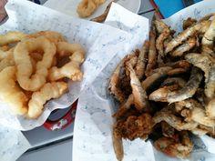 Calamares y boquerones fritos w Barcelonie