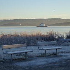 vinter i oslo | norge | bygdøy | huk med utsikt på dyna fyr og oslofjorden