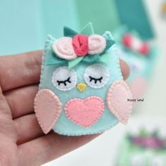 Felt Crafts Patterns, Felt Crafts Diy, Felt Diy, Fabric Crafts, Sewing Crafts, Felt Owls, Felt Birds, Felt Animals, Felt Hair Accessories
