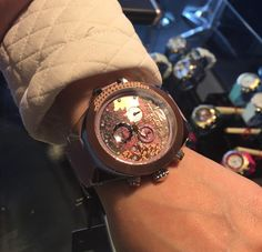 #Mulco ofrece una gama de modelos eclécticos donde la elegancia se mezcla con la energía, la innovación y la diversidad del nuevo mundo #Mulco #MulcoWatches #MulcoVzla #Reloj #SwissMovement #SwissWatches #luxurywatches #Watches #Moda #Like4Like #LifeStyle #FashionWatches #Outfit #Accesorios #ModaFemenina #ModaMasculina #LoveWatches  #AgenteAutorizado  @mulcomania www.mulco.com