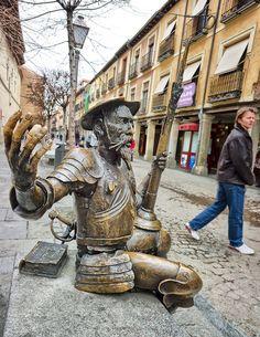 Escultura de Don Quijote. Alcalá de Henares, Madrid. Spain by PromoMadrid en Flickr (cc), ©PromoMadrid, autor Alfredo Urdaci