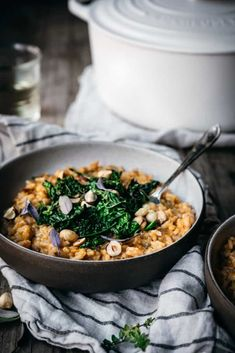 This vegan sweet potato risotto is served with kale and toasted hazelnuts. It serves as a great main course for a special occasion or a weeknight dinner! Vegan Risotto, Tomato Risotto, Risotto Recipes, Sweet Potato Risotto, Meat Recipes, Dinner Recipes, How To Make Risotto, Sauteed Kale, Vegan Comfort Food