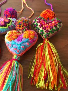 Tante S!fr@ loves this pin Pack of 2 hand embroidered 7 felted hearts pompom Embroidery Stitches, Hand Embroidery, Mexican Embroidery, Pom Pom Crafts, Felt Hearts, Felt Ornaments, Handicraft, Needle Felting, Fabric Crafts