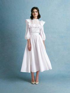 Ulyana Sergeenko Demi-Couture SS18 Modest Fashion, Hijab Fashion, Fashion Dresses, Vestidos Vintage, Vintage Dresses, Pretty Dresses, Beautiful Dresses, Dress Skirt, Dress Up