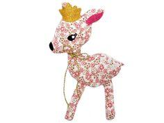 Reh ITH Stickmuster für eine Stickmaschine. Deer with crown. ITH machine embroidery design. Stickdesign Kerstin Bremer