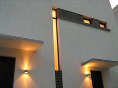 O casa in Vatra Luminoasa – O casa pe zi Modernism, Mirror, Lighting, Furniture, Home Decor, Modern Architecture, Decoration Home, Room Decor, Mirrors
