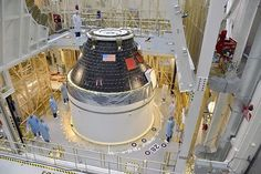 米航空宇宙局(NASA)の次世代宇宙船「オリオン」の乗員モジュール=9月、フロリダ州ケネディ宇宙センター(EPA=時事) ▼29Nov2014時事通信 米次世代宇宙船、初飛行へ=火星有人探査見据える-NASA http://www.jiji.com/jc/zc?k=201411/2014112900138