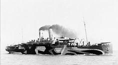 Kaisar I Hind-razzle-dazzle-camouflage World War One, First World, British Marine, Dazzle Camouflage, Boat Decor, Razzle Dazzle, Warfare, Trees To Plant, Ships