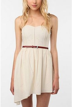 This dress + cowboy boots would be too cute !
