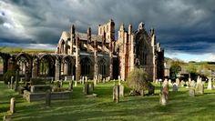 Melrose Abbey ( Scotland )