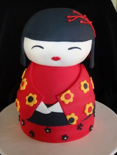 Fantastic cake idea for my little girl, who loves Japanese dolls.