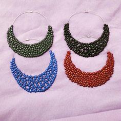 Collane colorate di colla a caldo Coloured hotglue necklaces