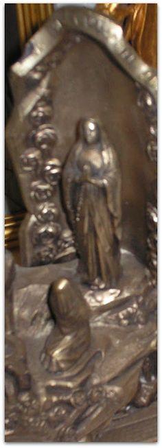 Riproduzione Grotta di Lourdes - 1930 circa con carillon