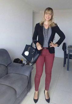 look de trabalho - estilo natural - calça vinho - blazer preto - tee cinza - blusa cinza - cinza e vinho - preto e vinho - preto e cinza