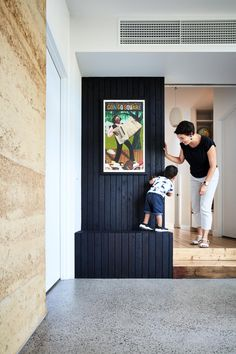 Rammed Down To Earth House Steffen Welsch Architects CC Rhiannon Slater Rammed Earth Homes, Rammed Earth Wall, Green House Design, California Bungalow, Charred Wood, Clerestory Windows, Melbourne House, Front Rooms, Australian Homes