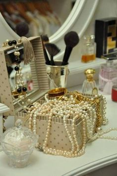 Love this vanity & the pearls!
