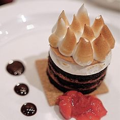 Smores chocolate and mash mallow. It looks so delicious. Cheesecake, Wine, Chocolate, Dining, Sweet, Desserts, Food, Meal, Meal