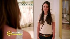 Jordana Brewster T-Shirt - Jordana Brewster has the girl next door look down in this simple white T-shirt and jeans.