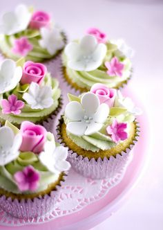 Look at these beautiful cupcakes.  Perfect for tea parties, birthdays, weddings, or just because...