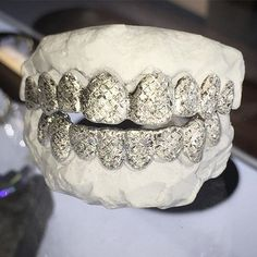 8 Top  8 Bottom ❄️18K #Cocaine snow snow  #STLgrillzz #Grillz www.STLgrillzz.com
