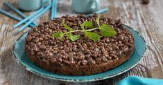 Supermumsig och lättbakad kaka med både choklad och nutella. Toppa med kinapuffar och ännu mer choklad. Mums!