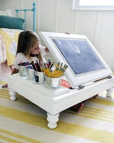 repurposed furniture kitchen cabinet into a child s desk, diy, painted furniture, repurposing upcycling, woodworking projects Wooden Projects, Home Projects, Design Projects, Diy Casa, Kid Desk, Work Desk, Ideias Diy, Woodworking Bed, Popular Woodworking