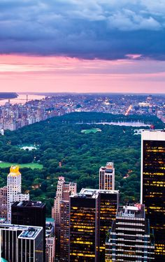 Central Park  Plus d'infos sur le plus grand parc new-yorkais sur Cityoki !  http://www.cityoki.com/fr/decouvrir-newyork/central-park/  More info about Central Park on Cityoki website! http://www.cityoki.com/en/discover-newyork/central-park-ny/