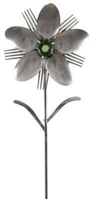 Funny and totally unique flatware products made out of forks and spoon which is another awesome addition to the home and office supplies line. This Isis Fork and Spoon Flower is an unwithering display