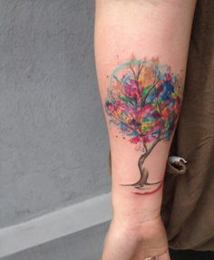 Watercolor tattoo designs are cropping up creating the buzz and trend in the tattoos section. Deviating from the traditional tattoos. Finger Tattoos, Body Art Tattoos, New Tattoos, Sleeve Tattoos, Tatoos, Luna Tattoo, Tattoo Life, Disney Tattoos, Watercolor Tattoo Tree