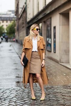 GET INSPIRED: Τan Suede Jacket. New Trend!