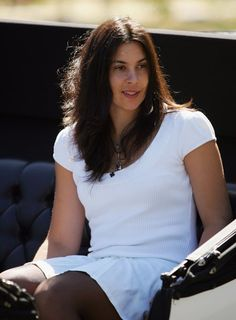 Wimbledon champion Marion Bartoli shocks the tennis world with her retirement announcement | Busted Racquet - Yahoo! Sports