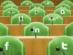 Op Facebook, Twitter, snapchat, weebly, instagram en pinterest kun je me tijdens de verkiezingen volgen! :)