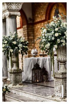 Wedding fleurs trikala Table Decorations, Flowers, Wedding, Furniture, Home Decor, Valentines Day Weddings, Decoration Home, Room Decor, Home Furnishings