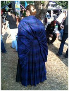 Ladies Arisaid The ladies version of the great kilt, folded similar to the great kilt but stays around the back. show with ends pinned over the shoulder,can also be pulled over as a shawl. Celtic Clothing, Scottish Clothing, Historical Costume, Historical Clothing, Boho Hippie, Arisaid, Great Kilt, Scottish Dress, Highland Games