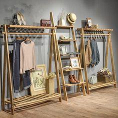 Clothing Boutique Interior, Boutique Decor, Interior Shop, Retail Interior, Clothing Store Displays, Clothing Store Design, Jewelry Displays, Wood Clothing Rack, Home Room Design