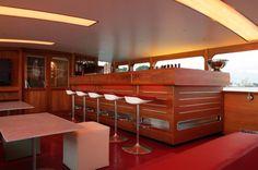 Das Lounge-Schiff Stralau | Restaurierung, Verkauf und Refit klassischer Boote | Bootsmanufaktur GmbH