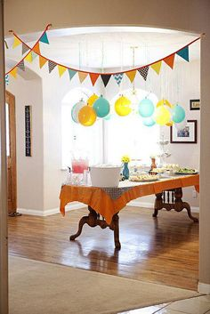 baby shower decorations 2019 Hanging balloons and garland- put a penny inside before you blow it up so it hangs better! The post baby shower decorations 2019 appeared first on Birthday ideas. Birthday Fun, First Birthday Parties, Home Birthday Party Ideas, Birthday Breakfast, Diy Party, Party Gifts, Hanging Balloons, Hanging Garland, Housewarming Party
