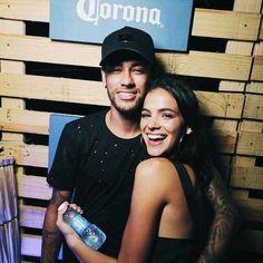 bruna marquezine Neymar Jr, Cute Couples Goals, Couple Goals, Bruna Marquezine And Neymar, Bruna Marquezini, Stupid Girl, Beautiful Couple, Football Players, Girl Boss
