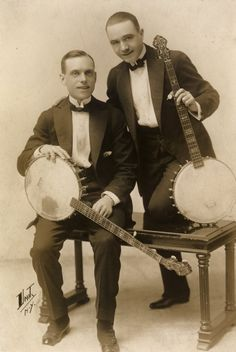 Vintage musician 002 by MementoMori-stock Street Musician, Jazz Blues, Band Photos, Vintage Pictures, Vintage Photographs, Country Music, Vintage Men, Folk, The Past