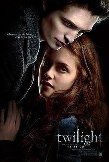 Twilight (br/pt: Crepúsculo) é um filme americano de 2008, dirigido por Catherine Hardwicke, adaptado do primeiro livro da série homônima de Stephenie Meyer por Melissa Rosenberg. O filme estrela Kristen Stewart como Isabella Swan, uma garota que se apaixona por Edward Cullen, um vampiro interpretado por Robert Pattinson