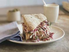 Sandwich mit Rotkrautsalat |http://eatsmarter.de/rezepte/sandwich-mit-rotkrautsalat