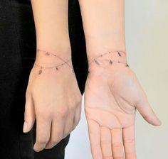 Billedresultat for micro tattoo bracelet Mini Tattoos, Love Tattoos, Beautiful Tattoos, Body Art Tattoos, New Tattoos, Small Tattoos, Tattoos For Women, Creative Tattoos, Unique Tattoos