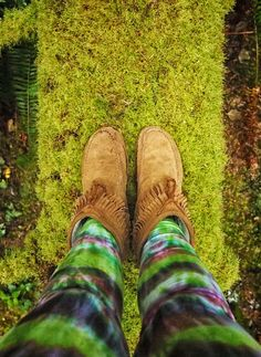 Crossing a beautiful mossy log at great heights, China Beach, BC. Love my wildflower tie dye leggings! #wildflowertiedye #moss #gypsy