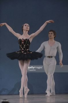 Russian born ballet dancer Rudolf Nureyev (1938-1993) performs on stage with Lithuanian born prima ballerina Svetlana Beriosova (1932-1998) at the Palladium show in London in 1968.